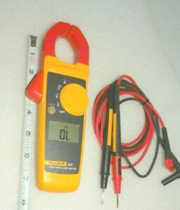 True Rms Clamp Meter With Fluke Leads Fluke 323 Electricians Very Nice
