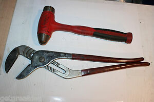 Snap on Tools Dead Blow Ball Peen 32oz Hammer Large 20 Adjustable Pliers 2pc