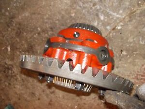 International 504 Utility Tractor Transmission Drive Pinion Assembly