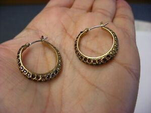 Vintage Jewelry Pair Of Liz Claiborne Pierced Ear Earrings 193