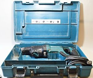 Makita Hr2621 Corded Electric Rotary Hammer Drill Anti vibration Technology