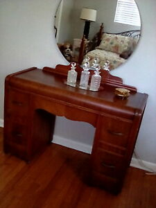 Vintage Waterfall Bedroom Vanity And Full Size Bed