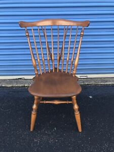 Ethan Allen Heirloom Maple Nutmeg Windsor Chair