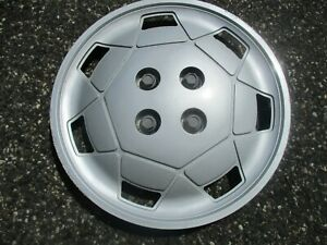One 1991 To 1995 Saturn S Series Bolt On 14 Inch 7 Slot Hubcap Wheel Cover