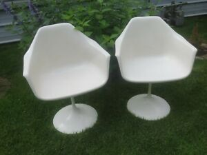 Pair Of Knoll Eero Saarinen Style Tulip Swivel Arm Chairs 1960 S