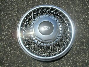 One Factory 1989 To 1993 Buick Riviera 15 Inch Wire Spoke Hubcap