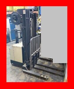 Crown 3500lb 188 Hours Warehouse Forklift Stacker Straddle 78 192 High Charger