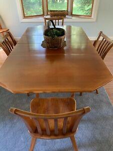 Cushman Colonial Dining Set Table 2 Add Leaves 4 Chairs Hutch Not Included