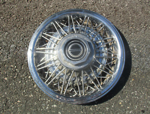 One 1982 To 1984 Ford Mustang 14 Inch Wire Spoke Hubcap Wheel Cover Beater
