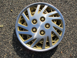 One Factory 1993 To 1995 Lebaron Shadow 15 Inch Metal Hubcap Wheel Cover Gold
