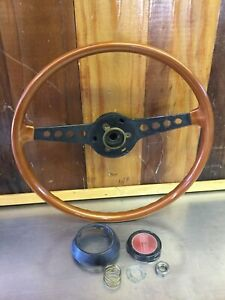 Fiat 124 Spider Wooden Steering Wheel With Cap Very Nice Condition F2367