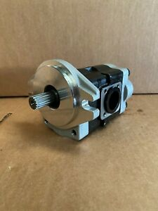 New Kubota M5640 Hydraulic Pump 3a272 82200 32781 36402 32781 36400