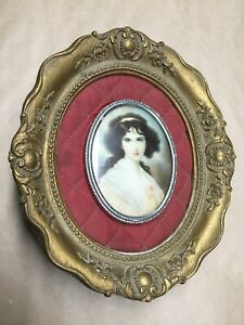 Vintage Cameo Creations Hubak Lady Original Oval Frame With Quilted Mounting