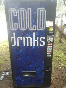Vendo 312 Soda Vending Machine W coin Bill Accept