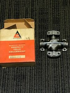 Genuine Nos Allis Chalmers 7491328 U Joint