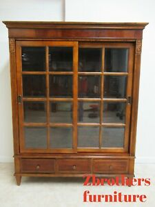 Ethan Allen Townhouse Henley Sliding Door China Cabinet Hutch Breakfront