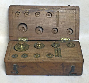 Set Of Antique Gold Or Apothacary Weights In Wood Case