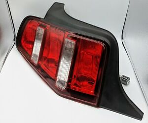 2010 2012 Oem Ford Mustang Tail Light Left Driver Side 3595877 166 02278l