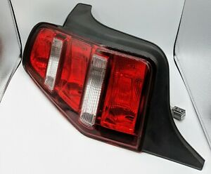 2010 2012 Ford Mustang Oem Right Passenger Side Tail Light Ar33 13b504 a