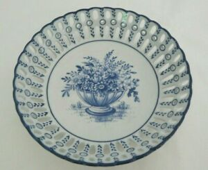 Chinese Blue White Porcelain Round Reticulated Pierced Bowl Basket Decorative
