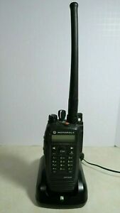 Motorola Mototrbo Xpr6580 800 900 Mhz Aah55uch9lb1an Digital Radio With Charger