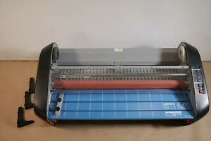 Gbc Commercial Laminator Pinnacle 27 Ezload 27 Laminating Machine
