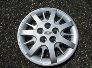 One Factory 2000 To 2011 Chevy Impala 16 Inch Bolt On Silver Hubcap Wheel Cover