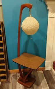 Beautiful Mid Century Modern Walnut Table Floor Lamp With Fiberglass Shade Rare