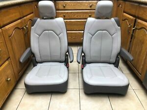 Bucket Seats 2020 Pacifica Chrysler New Leather alloy