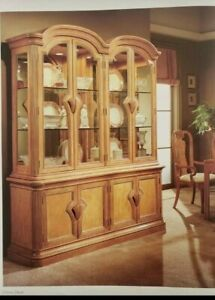 Bernhardt Lihht Wood Dining Set W China Cabinet