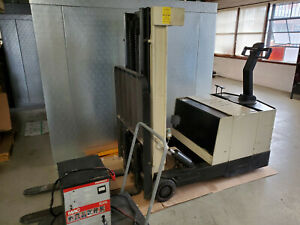 Crown Walk behind Electric Forklift With Low Mast