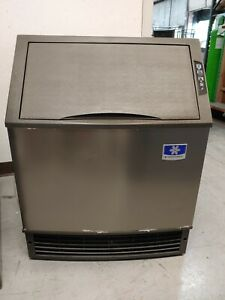 as Is Manitowoc Ice Udf0240w 26 w Full Cube Neo Undercounter Ice Maker 197lbs