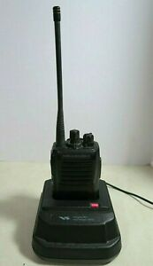 Vertex Standard Vx 417 4 5 Uhf Radio 450 490 Mhz With Charger