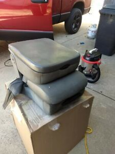 2002 2006 Dodge Ram 1500 Center Seat Assembly