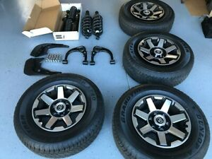 2020 Toyota 4runner Trd Offroad Oem 17 Wheel And Tire Set