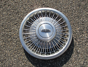 One Factory 1988 1989 Lincoln 15 Inch Wire Spoke Hubcap Wheel Cover