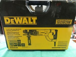 Dewalt D25263 1 1 8 Sds plus D handle Concrete masonry Rotary Hammer Drill