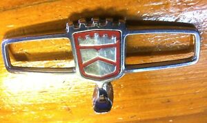 Nice 1988 1989 1990 Ford Crown Victoria Red Hood Ornament Topper E8ab 8b343 a