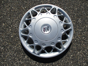 One Factory 2000 To 2003 Buick Century Bolt On Hubcap Wheel Cover Silver