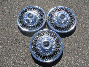 Lot Of 3 1979 To 1985 Buick Riviera Wire Spoke Hubcaps Wheel Covers 25504652
