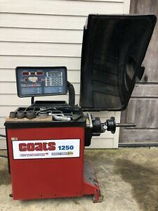 Coats 1250 Direct Drive Wheel Balancer With Laser Guided Operation