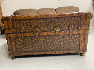 Maitland Smith Crocodile Embossed Leather Trunk Coffee Table Breathtaking
