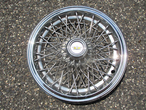 One Factory 1986 To 1995 Chevy Caprice 15 Inch Locking Wire Spoke Hubcap Nice