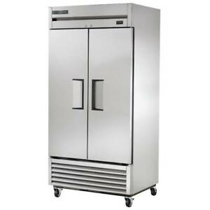 True T 35f hc 40 Two Section Reach in Freezer 2 Solid Doors 115v