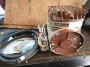 Thomas Industries Model 600 Air Compressor Possible New W Extras