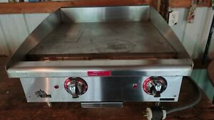 Used Star 524tgf Star max Countertop 24in Electric Griddle Very Nice Tested 220