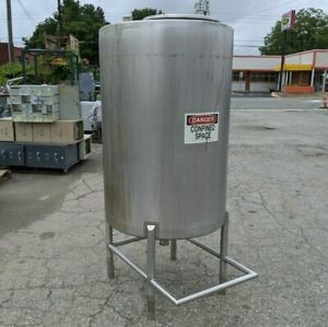 200 Gallon Stainless Steel Reservoir Tank Vertical Cylinder Container Can Ship