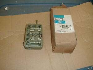 Nos Mopar 1969 Holley 4 Barrel Carb Main Metering Block
