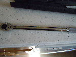 new Pittsburgh Pro 1 2 Drive Click Type Torque Wrench With Hard Case