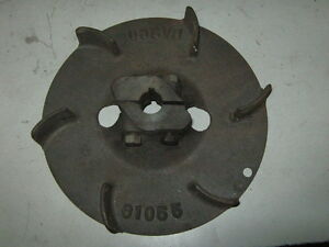 Old Briggs Stratton Gas Engine Pto Flywheel M 61055